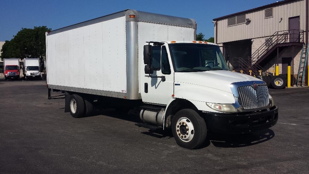Medium Duty Box Truck-Light and Medium Duty Trucks-International-2010-4300M7LP-MEDLEY-FL-203,391 miles-$17,750
