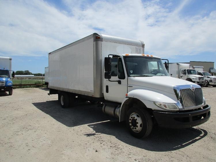 Medium Duty Box Truck-Light and Medium Duty Trucks-International-2010-4300M7LP-SPRINGFIELD-IL-216,256 miles-$17,750