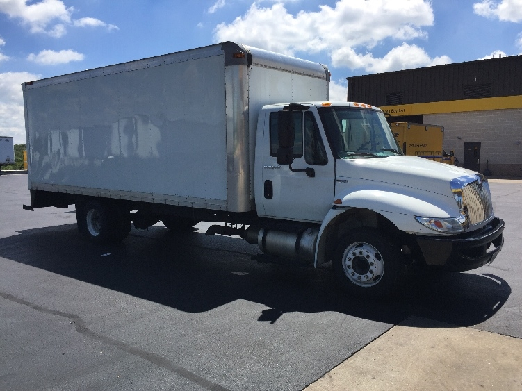 Medium Duty Box Truck-Light and Medium Duty Trucks-International-2010-4300M7LP-SPRINGFIELD-MO-306,122 miles-$17,750