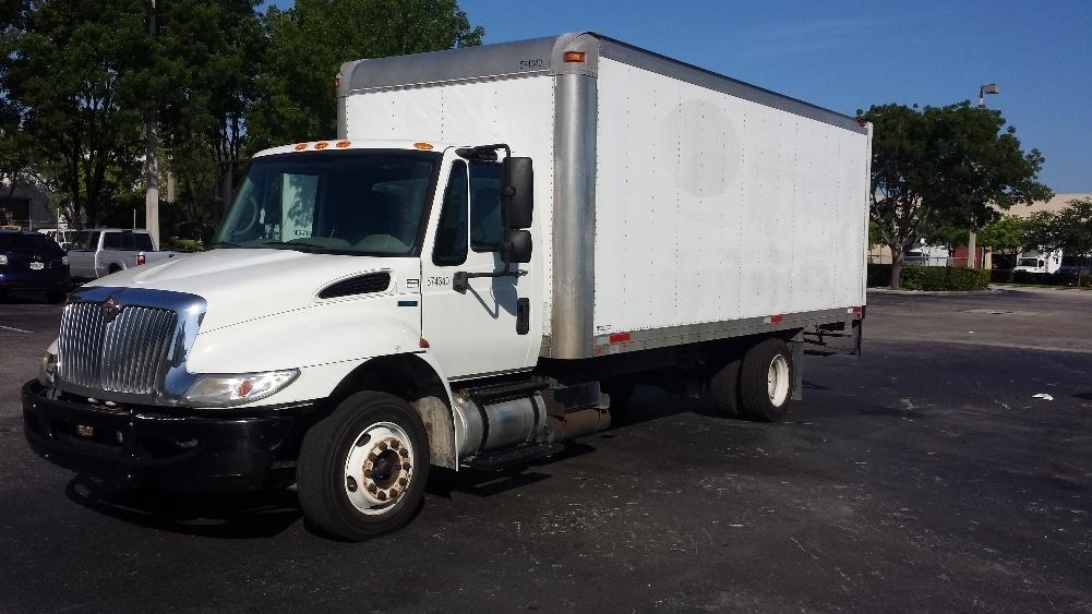 Medium Duty Box Truck-Light and Medium Duty Trucks-International-2010-4300M7LP-MEDLEY-FL-121,950 miles-$16,500