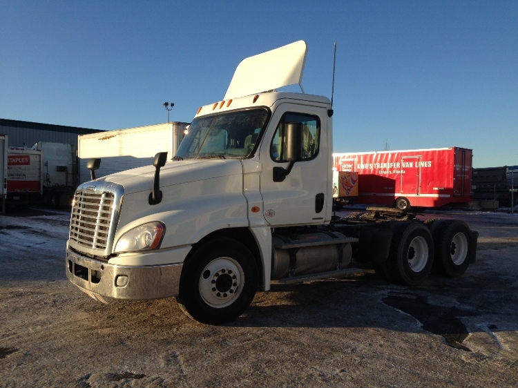 Day Cab Tractor-Heavy Duty Tractors-Freightliner-2010-Cascadia 12564ST-CALGARY-AB-442,052 km-$37,250