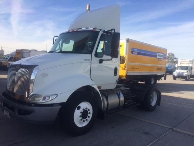 Day Cab Tractor-Heavy Duty Tractors-International-2010-8600-PHOENIX-AZ-429,261 miles-$29,000