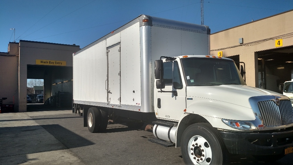 Medium Duty Box Truck-Light and Medium Duty Trucks-International-2010-4300-WEST BABYLON-NY-194,951 miles-$18,250