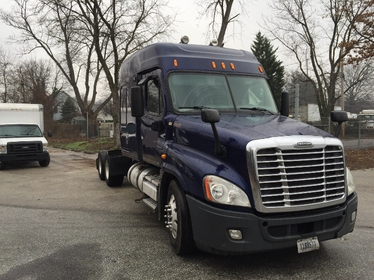 Sleeper Tractor-Heavy Duty Tractors-Freightliner-2010-Cascadia 12564ST-BALTIMORE-MD-457,722 miles-$33,750