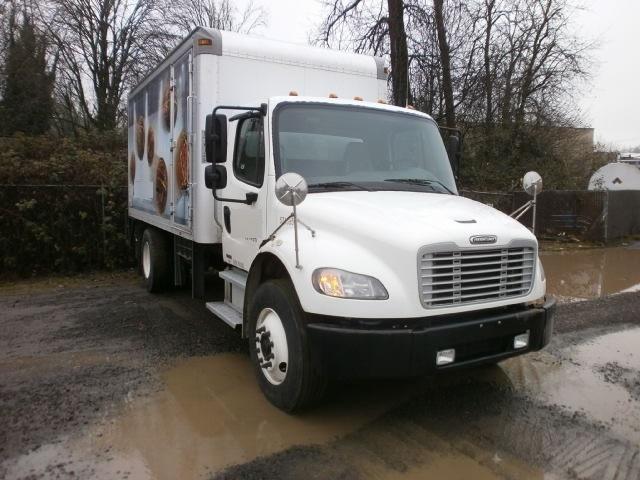 Medium Duty Box Truck-Light and Medium Duty Trucks-Freightliner-2010-M2-SPRINGFIELD-OR-121,526 miles-$34,250