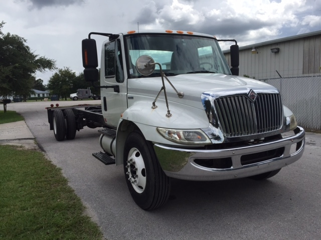 Cab and Chassis Truck-Heavy Duty Tractors-International-2010-4400-LEXINGTON-KY-196,141 miles-$22,000