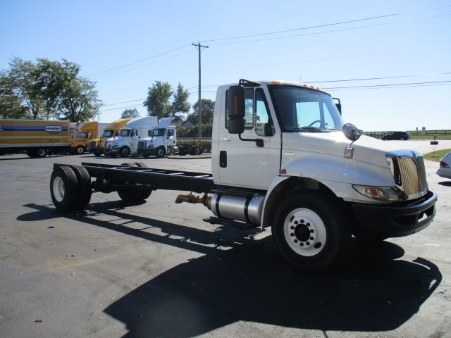 Cab and Chassis Truck-Heavy Duty Tractors-International-2010-4400-LEXINGTON-KY-149,081 miles-$24,750