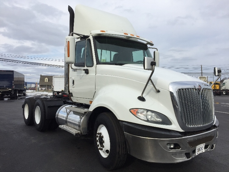 Day Cab Tractor-Heavy Duty Tractors-International-2009-ProStar-CARLISLE-PA-743,981 miles-$19,250