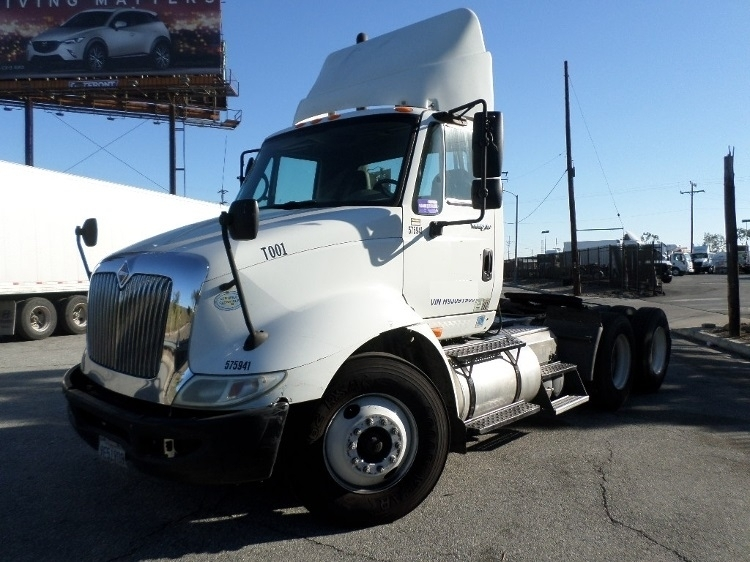 Day Cab Tractor-Heavy Duty Tractors-International-2009-8600-TORRANCE-CA-267,714 miles-$27,500