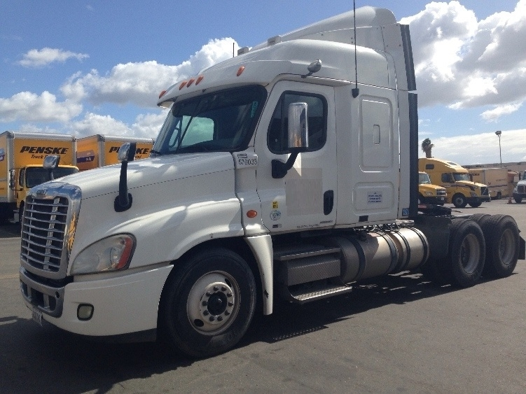 Sleeper Tractor-Heavy Duty Tractors-Freightliner-2010-Cascadia 12564ST-TORRANCE-CA-512,053 miles-$32,750