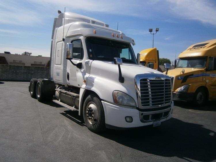 Sleeper Tractor-Heavy Duty Tractors-Freightliner-2010-Cascadia 12564ST-TORRANCE-CA-467,168 miles-$35,750