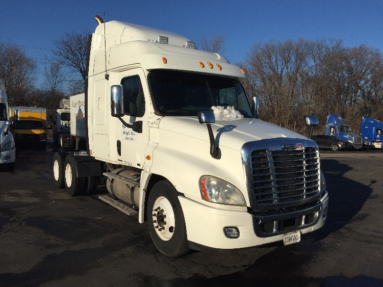 Sleeper Tractor-Heavy Duty Tractors-Freightliner-2010-Cascadia 12564ST-INDIANAPOLIS-IN-589,501 miles-$31,750
