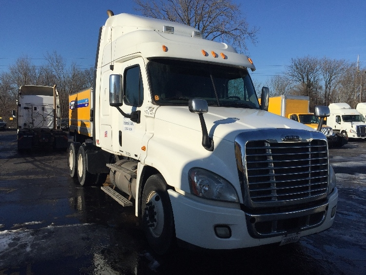 Sleeper Tractor-Heavy Duty Tractors-Freightliner-2010-Cascadia 12564ST-INDIANAPOLIS-IN-555,822 miles-$30,000