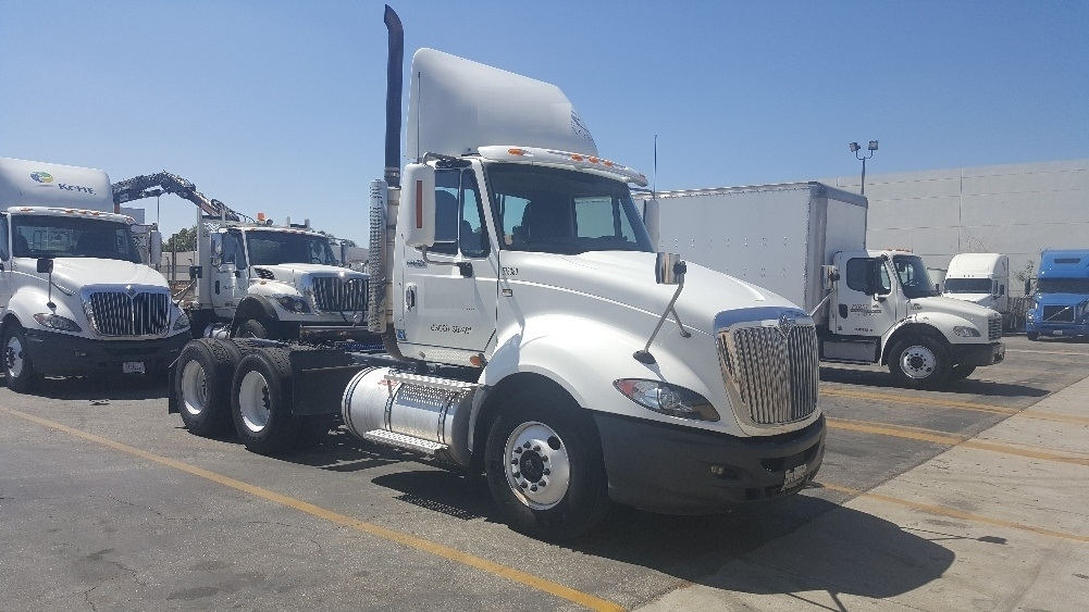 Day Cab Tractor-Heavy Duty Tractors-International-2009-ProStar-TORRANCE-CA-440,326 miles-$24,000