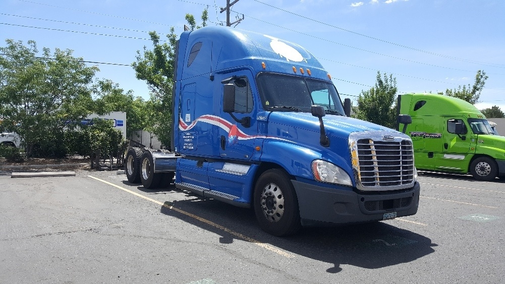 Sleeper Tractor-Heavy Duty Tractors-Freightliner-2011-Cascadia 12564ST-SPARKS-NV-573,128 miles-$32,500
