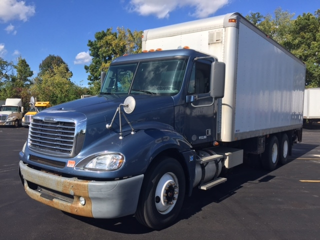 Medium Duty Box Truck-Heavy Duty Tractors-Freightliner-2010-Columbia CL12064ST-LIVERPOOL-NY-564,958 miles-$28,000