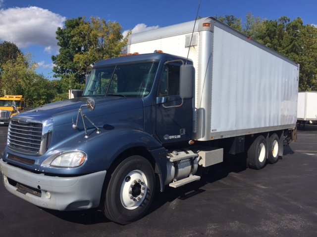 Medium Duty Box Truck-Heavy Duty Tractors-Freightliner-2010-Columbia CL12064ST-LIVERPOOL-NY-412,845 miles-$35,000