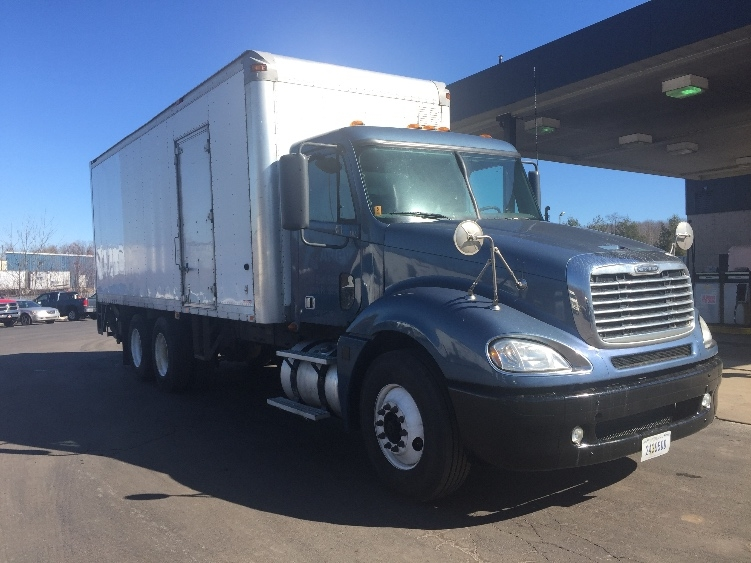 Medium Duty Box Truck-Heavy Duty Tractors-Freightliner-2010-Columbia CL12064ST-HARRISBURG-PA-467,043 miles-$46,750