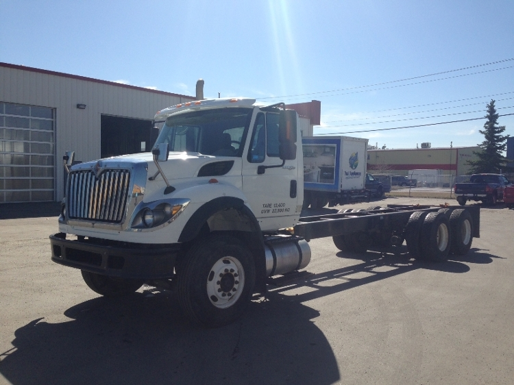 Cab and Chassis Truck-Light and Medium Duty Trucks-International-2010-7600-CALGARY-AB-194,906 km-$41,500