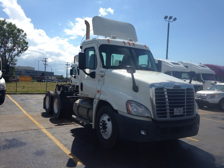 Day Cab Tractor-Heavy Duty Tractors-Freightliner-2010-Cascadia 12564ST-MISSISSAUGA-ON-620,416 km-$35,500