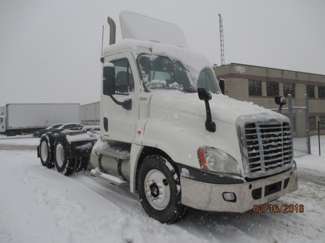 Day Cab Tractor-Heavy Duty Tractors-Freightliner-2010-Cascadia 12564ST-BURLINGTON-ON-649,817 km-$39,000