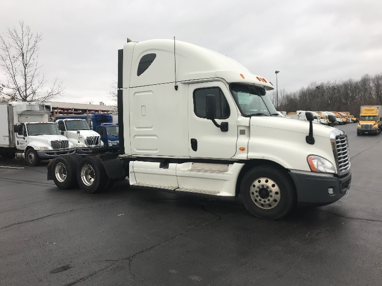 Sleeper Tractor-Heavy Duty Tractors-Freightliner-2013-Cascadia 12564ST-LOUISVILLE-KY-476,286 miles-$47,000