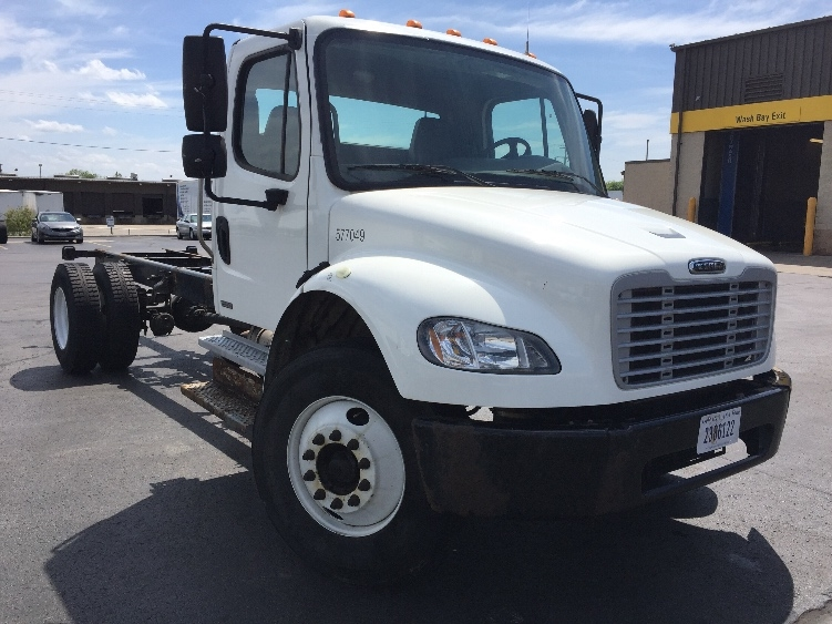 Cab and Chassis Truck-Light and Medium Duty Trucks-Freightliner-2010-M2-MILWAUKEE-WI-256,142 miles-$25,000