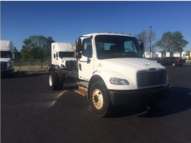 Cab and Chassis Truck-Light and Medium Duty Trucks-Freightliner-2010-M2-DE PERE-WI-237,907 miles-$22,750