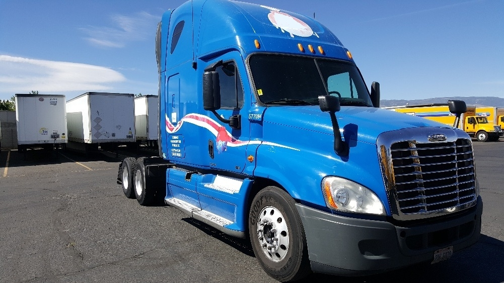 Sleeper Tractor-Heavy Duty Tractors-Freightliner-2011-Cascadia 12564ST-SPARKS-NV-745,415 miles-$26,000