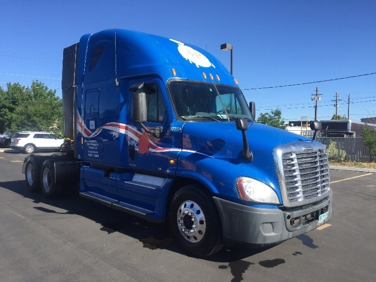 Sleeper Tractor-Heavy Duty Tractors-Freightliner-2011-Cascadia 12564ST-SPARKS-NV-726,060 miles-$28,000