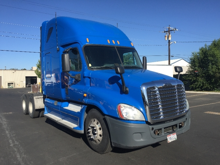 Sleeper Tractor-Heavy Duty Tractors-Freightliner-2011-Cascadia 12564ST-SPARKS-NV-723,605 miles-$28,000