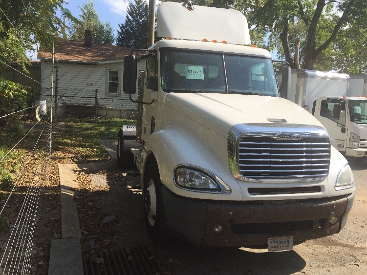 Day Cab Tractor-Heavy Duty Tractors-Freightliner-2010-Columbia CL12042ST-BALTIMORE-MD-345,000 miles-$39,000
