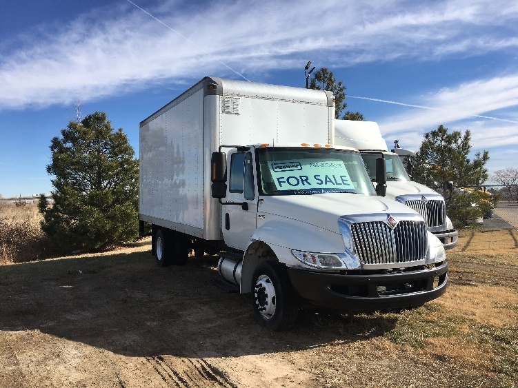 Medium Duty Box Truck-Light and Medium Duty Trucks-International-2010-4300M7LP-WICHITA-KS-180,988 miles-$21,500