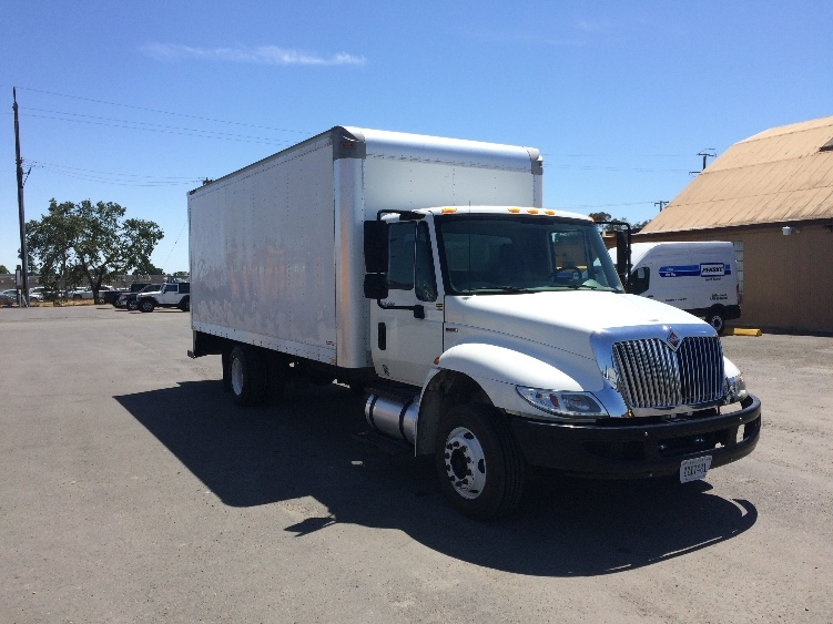 Medium Duty Box Truck-Light and Medium Duty Trucks-International-2010-4300M7LP-WEST SACRAMENTO-CA-119,033 miles-$22,250