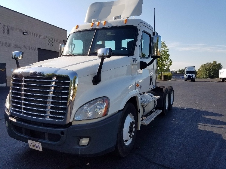 Day Cab Tractor-Heavy Duty Tractors-Freightliner-2010-Cascadia 12564ST-CHARLOTTE-NC-512,086 miles-$27,750