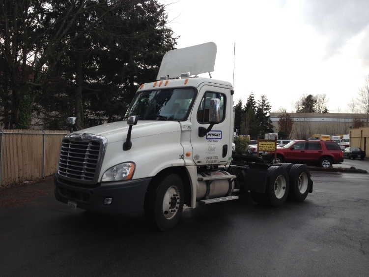 Day Cab Tractor-Heavy Duty Tractors-Freightliner-2010-Cascadia 12564ST-TACOMA-WA-395,924 miles-$38,250
