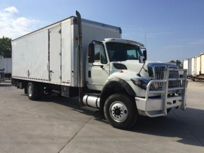 Medium Duty Box Truck-Light and Medium Duty Trucks-International-2010-7600-DES MOINES-IA-696,296 miles-$24,000