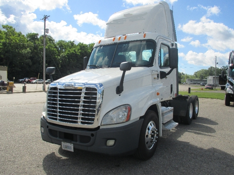 Day Cab Tractor-Heavy Duty Tractors-Freightliner-2010-Cascadia 12564ST-JACKSON-MI-626,720 miles-$23,750
