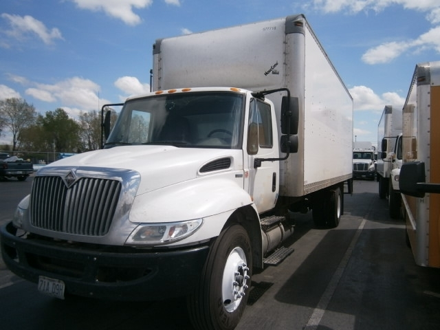 Medium Duty Box Truck-Light and Medium Duty Trucks-International-2010-4300-KANSAS CITY-MO-382,770 miles-$14,250