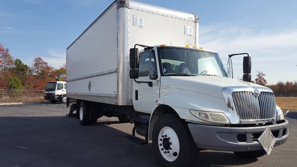 Medium Duty Box Truck-Light and Medium Duty Trucks-International-2010-4300-GREENVILLE-SC-336,775 miles-$19,250