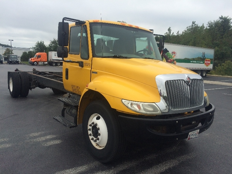 Cab and Chassis Truck-Light and Medium Duty Trucks-International-2011-4300-JESSUP-MD-155,038 miles-$22,000