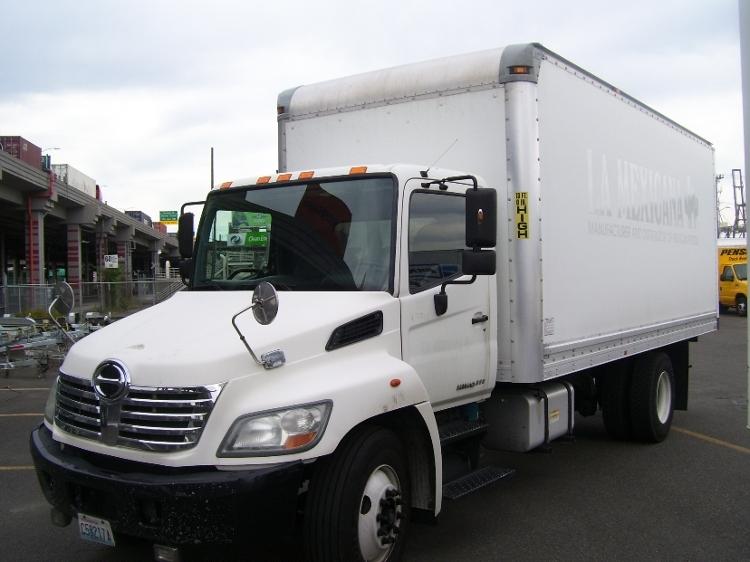 Medium Duty Box Truck-Light and Medium Duty Trucks-Hino-2010-268-SEATTLE-WA-215,624 miles-$21,500