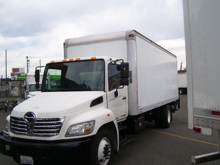 Medium Duty Box Truck-Light and Medium Duty Trucks-Hino-2010-268-SEATTLE-WA-242,208 miles-$20,000