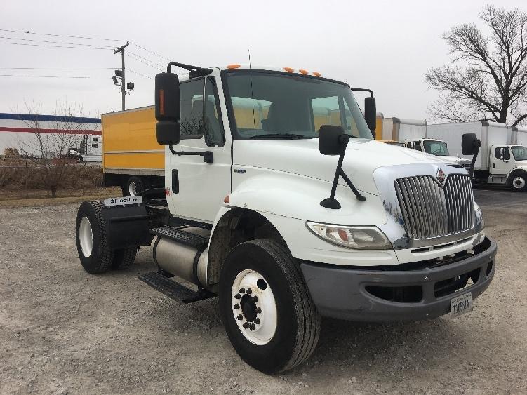 Day Cab Tractor-Heavy Duty Tractors-International-2010-4400-CLARKSVILLE-IN-180,518 miles-$29,500