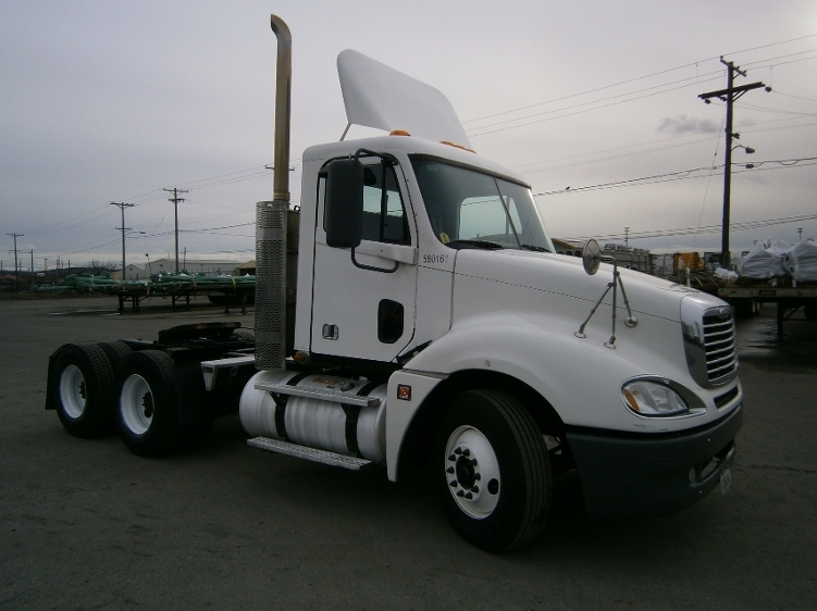 Day Cab Tractor-Heavy Duty Tractors-Freightliner-2010-Columbia CL12064ST-TACOMA-WA-314,189 miles-$35,000