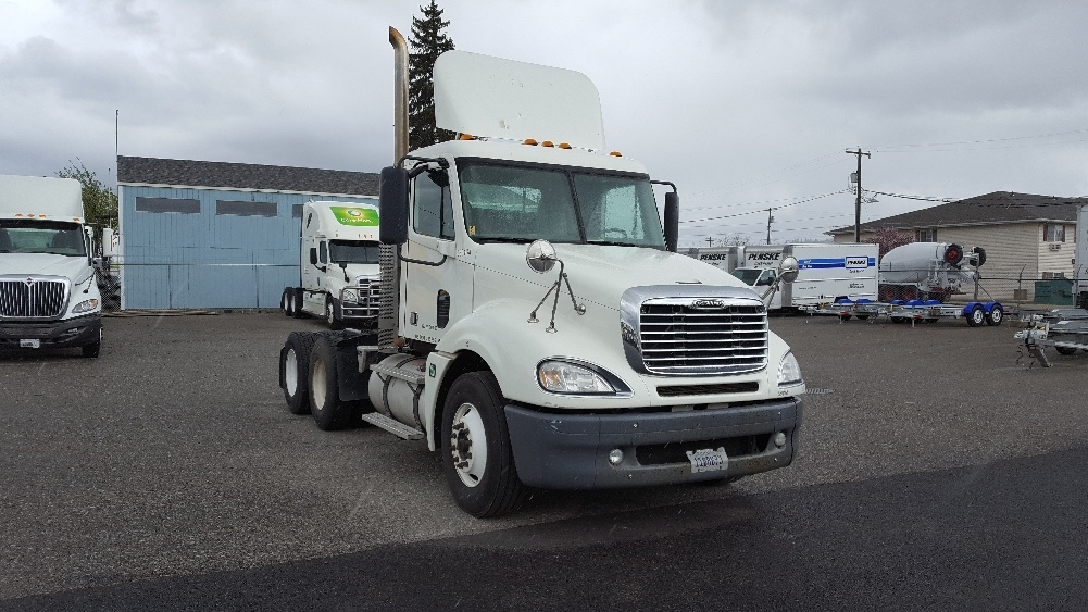 Day Cab Tractor-Heavy Duty Tractors-Freightliner-2010-Columbia CL12064ST-SPOKANE VALLEY-WA-292,422 miles-$32,000