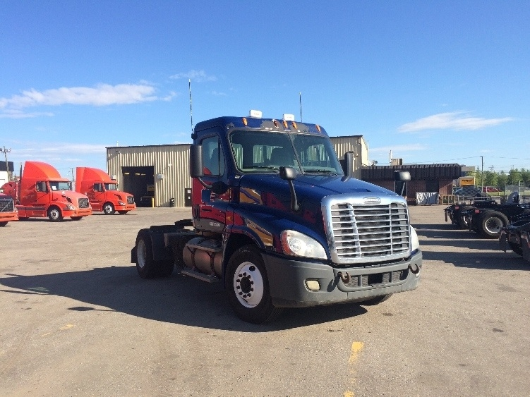 Day Cab Tractor-Heavy Duty Tractors-Freightliner-2010-Cascadia 12542ST-CALGARY-AB-511,244 km-$38,500