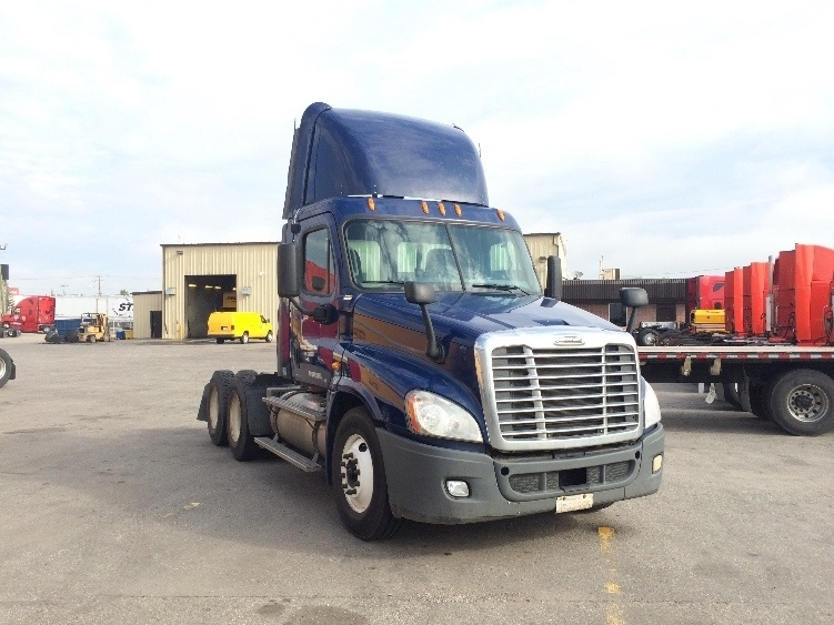 Day Cab Tractor-Heavy Duty Tractors-Freightliner-2010-Cascadia 12564ST-CALGARY-AB-603,221 km-$44,250