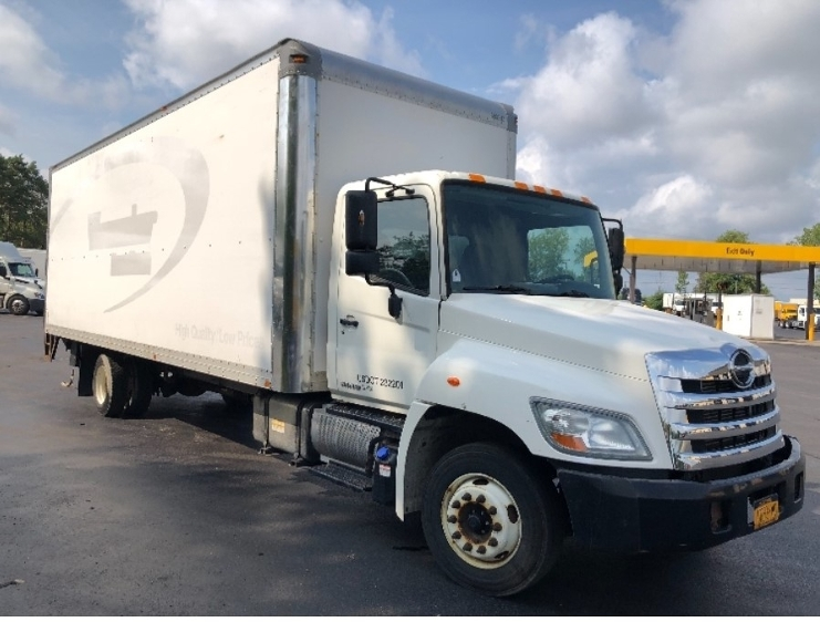 Medium Duty Box Truck-Light and Medium Duty Trucks-Hino-2011-258LP-BUFFALO-NY-121,500 miles-$26,250