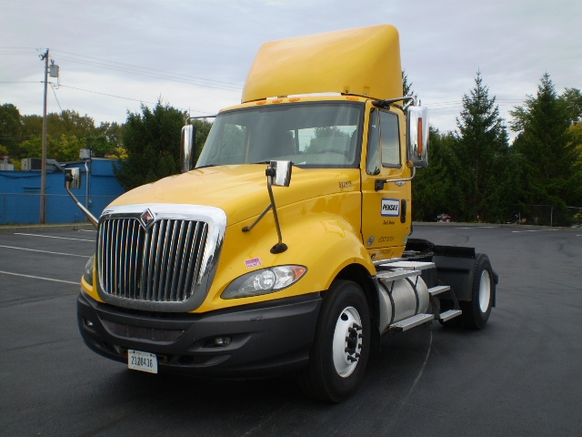Day Cab Tractor-Heavy Duty Tractors-International-2011-ProStar-LONDONDERRY-NH-208,774 miles-$20,500